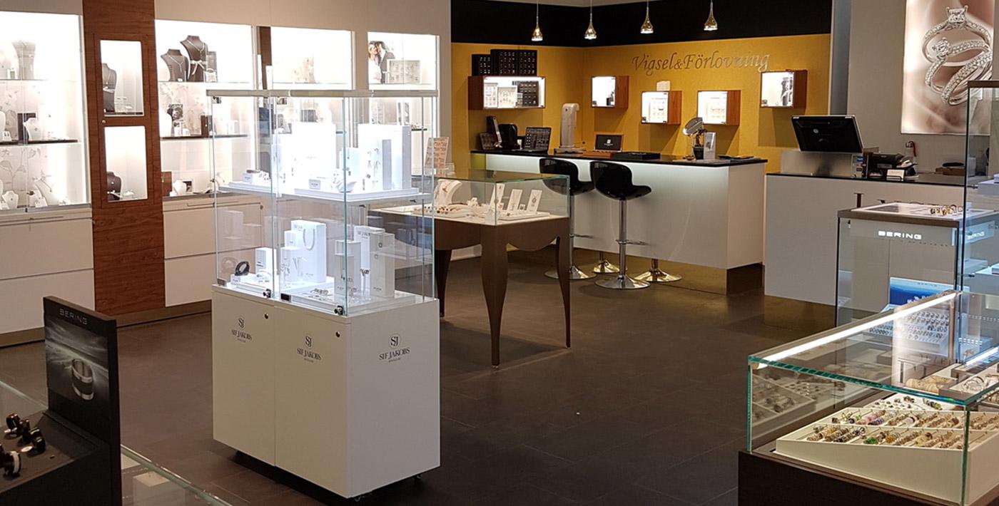 Lycka Juveler - Butik i Mall of Scandinavia - Förlovningsring - Vigselring - Smycken